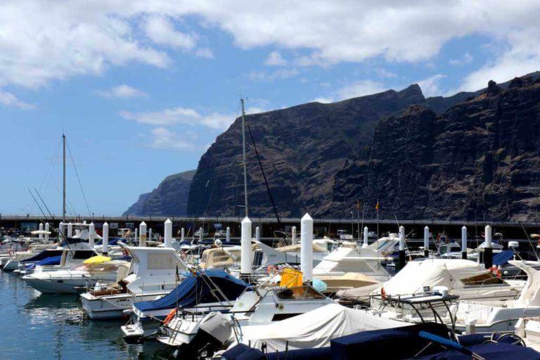 Порт Лос Гигантес на Тенерифе
