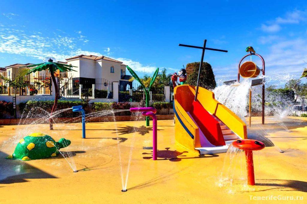Отели для детей на Тенерифе: водные развлечения