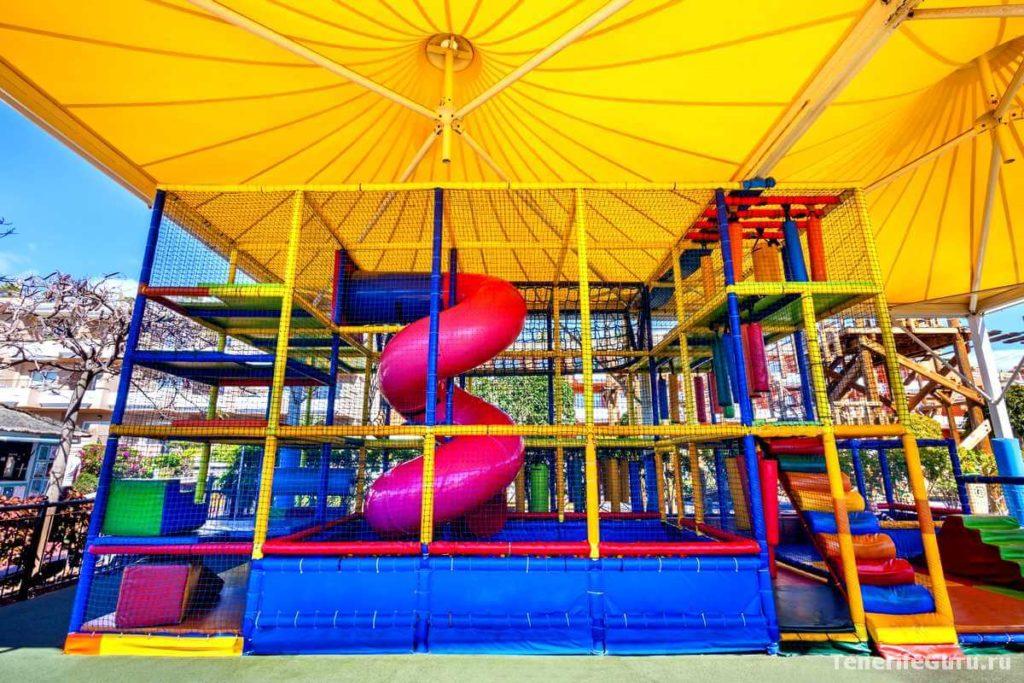 Отели для детей на Тенерифе: детские площадки
