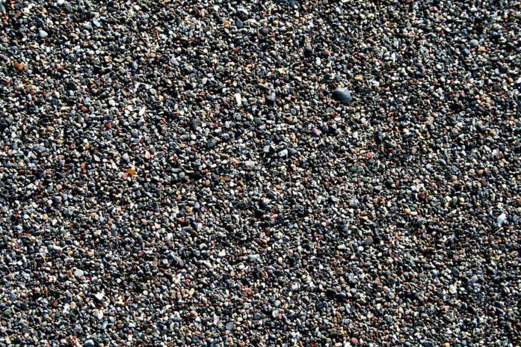 Пляж Тенерифе: крупный вулканический песок