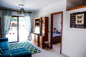Апартаменты в Seguro el Sol Tenerife, Плайя Ла Арена - гостиная и терраса