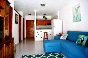 Где жить на Тенерифе: апартаменты Seguro el Sol в Плайя Ла Арена - гостиная
