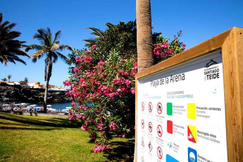 Пляж Ла Арена - информационная табличка